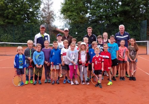 Tennis-Schnuppern beim TC Waging im Waginger Ferienprogramm